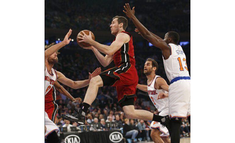 Wade aporta 26 puntos y Heat doblegan a Knicks