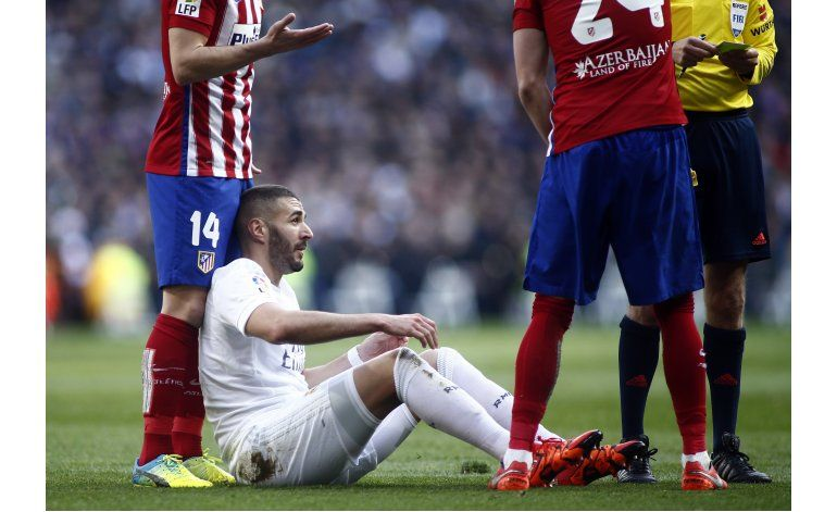 Real Madrid: Benzema lesionado estará inactivo durante 1 mes