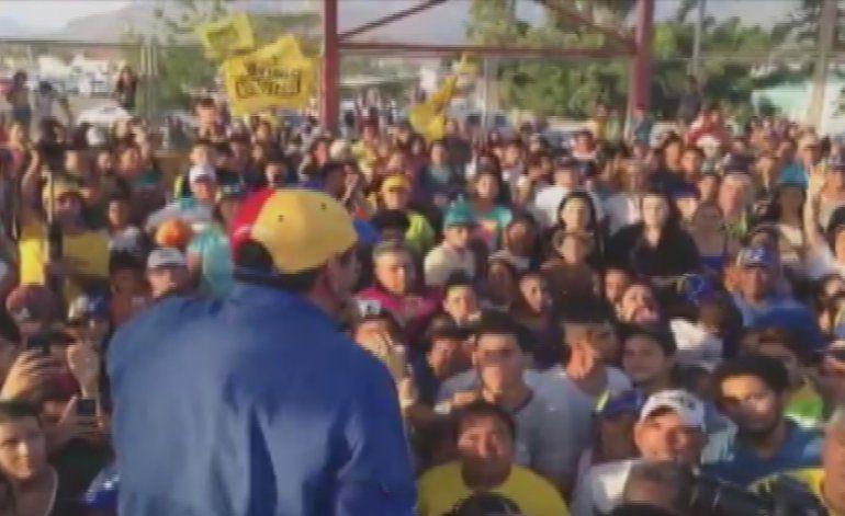 Motorizados chavistas atacan a Henrique Capriles durante caminata opositora