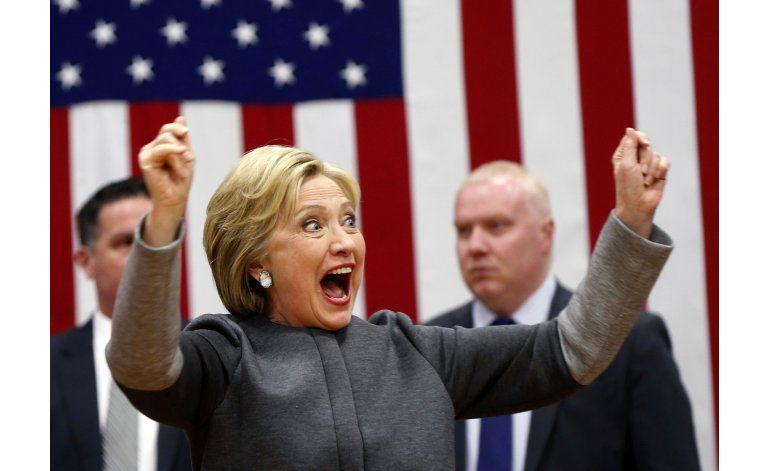Clinton y Trump obtienen grandes triunfos en el Supermartes