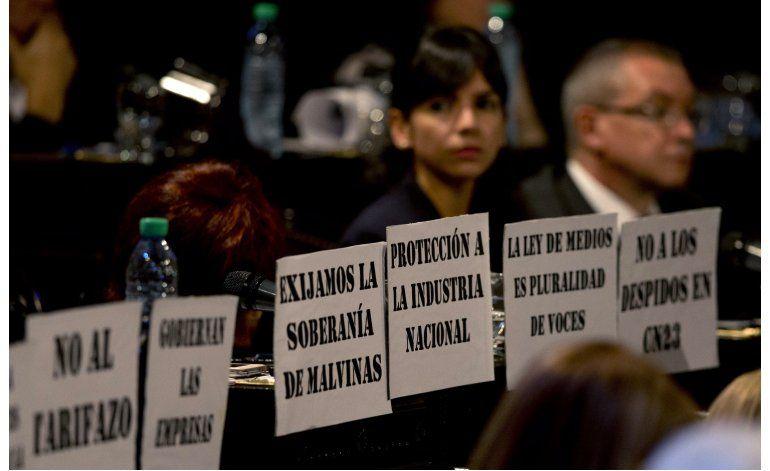 Macri pide respaldo al Congreso ante panorama sombrío