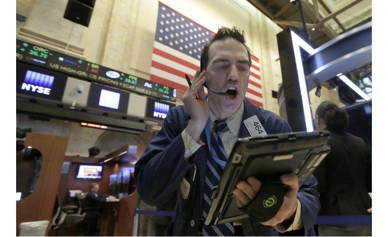Wall Street cierra en alza por avances en economía de EEUU