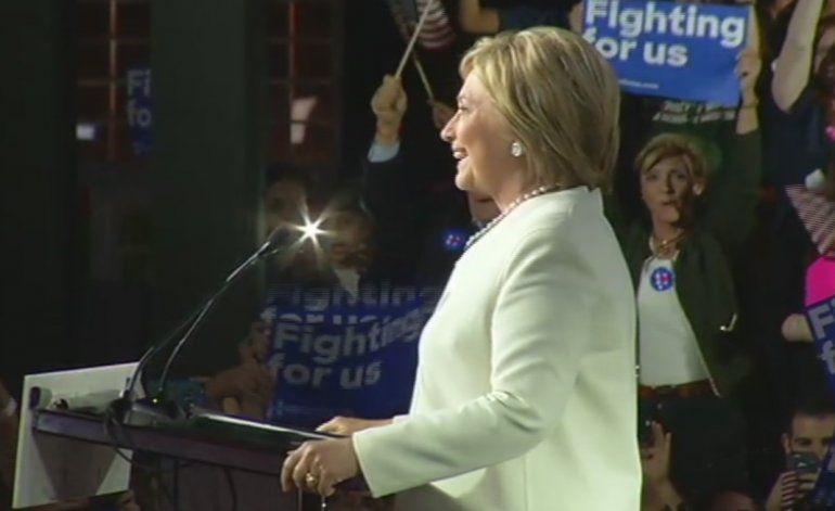 Hillary Clinton llevó a cabo jornada de campaña en el Downtown de Miami