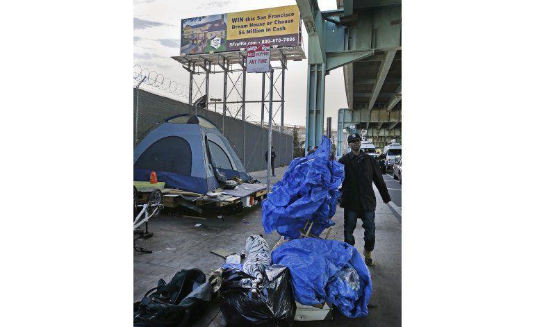 San Francisco desmantela campamento de indigentes