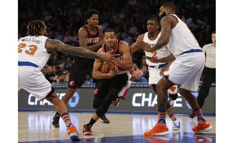 Lillard aporta 30 puntos y Blazers arrollan a Knicks
