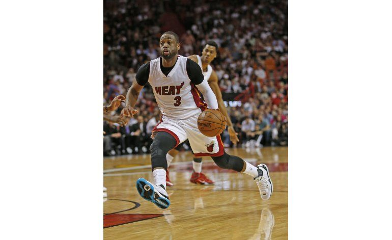 El Heat fija récord de acierto y vence 129-111 a Chicago