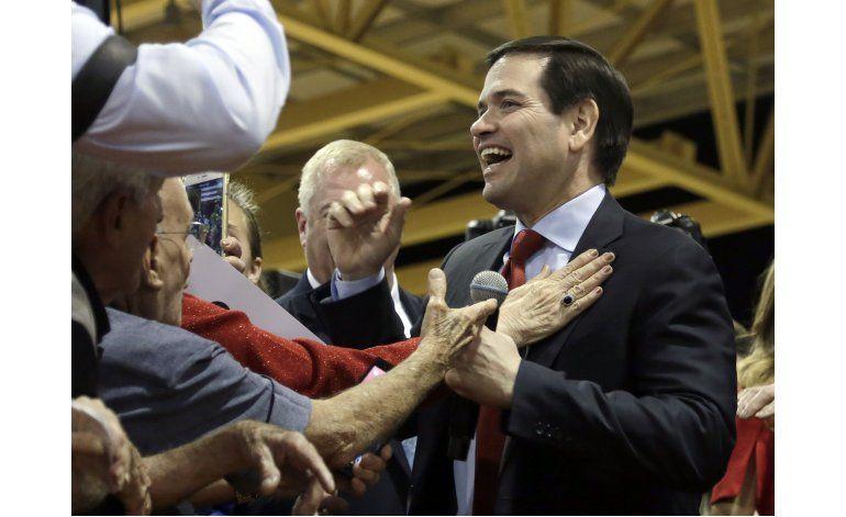 Líderes republicanos buscan la forma de frenar a Trump