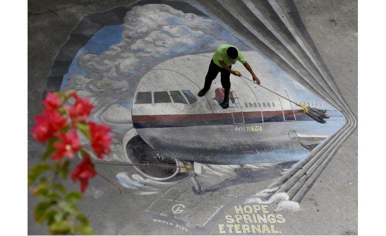 EEUU: Aparecen restos similares al avión desaparecido MH370