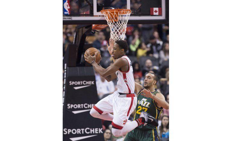 Lowry y DeRozan guían a Raptors en triunfo 104-94 sobre Jazz