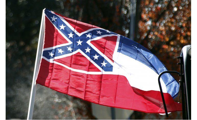 Mississippi defenderá emblema confederado en su bandera