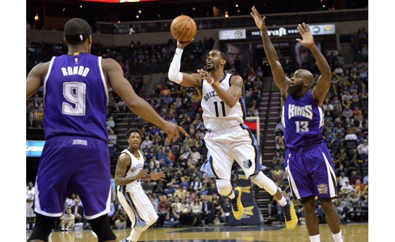 Conley anota 24 y Grizzlies superan 104-98 a Kings