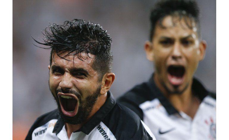 Libertadores: Corinthians batalla pero vence a Santa Fe