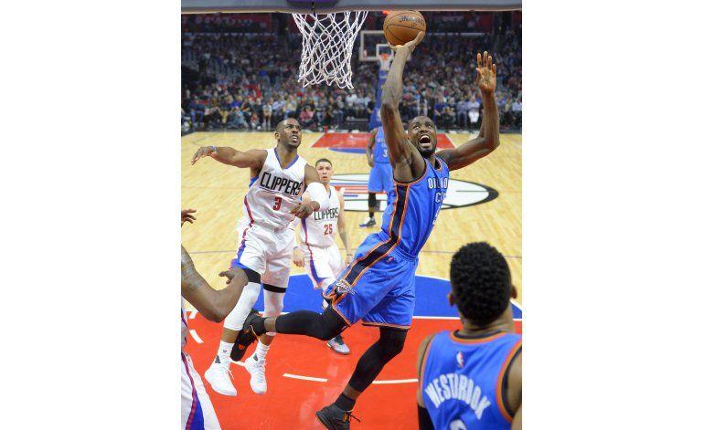 Clippers remontan desventaja de 22 puntos, ganan al Thunder