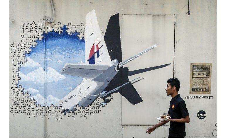 Entrevista AP: Hombre halla posibles restos de avión malasio