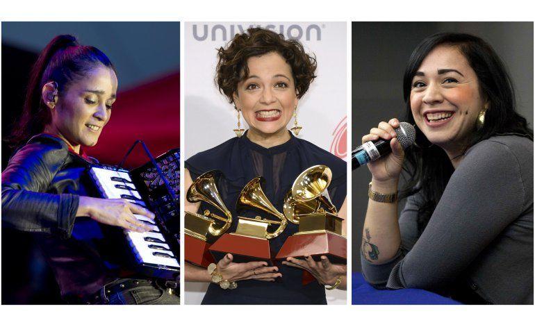 Venegas, Lafourcade y Morrison se profesan amor y respeto