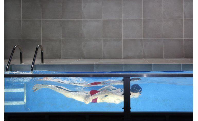 Triunfal diseño de escenografía: teatro construye piscina