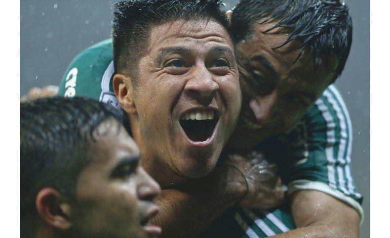 Libertadores: Palmeiras sufre pero se impone 2-0 a Central