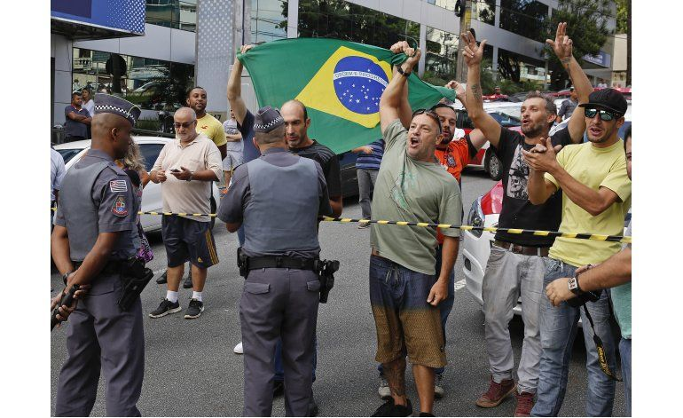 Brasil: Interrogan a Lula en caso de corrupción