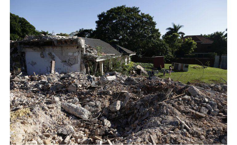 Paraguay: Derriban murallas de mansión de Stroessner
