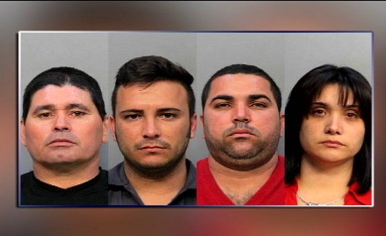 En corte: Cuatro acusados de múltiples cargos relacionados con fraude tarjetas de crédito