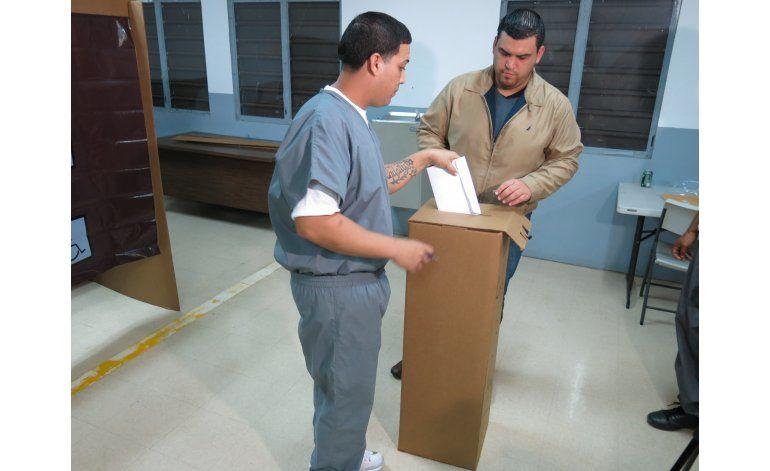 Miles de reos de Puerto Rico votan en primaria republicana