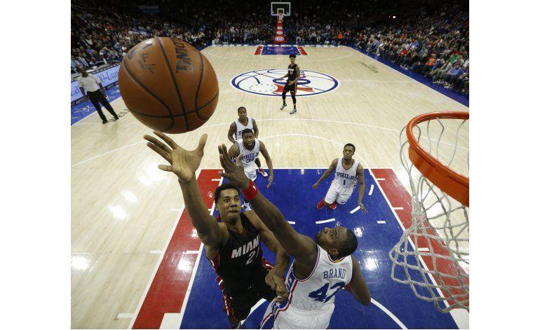 Whiteside y Wade comandan victoria del Heat ante 76ers