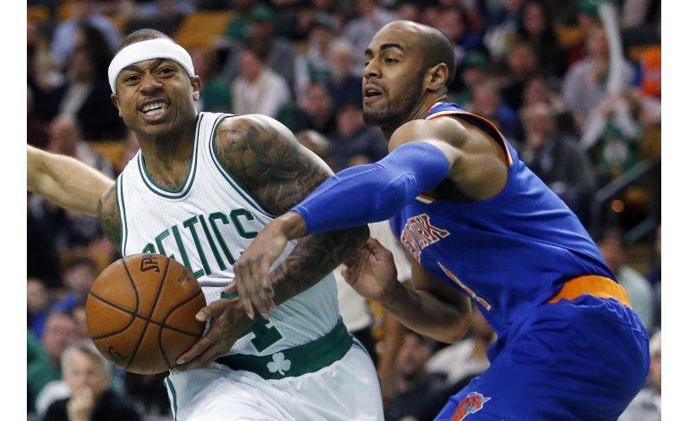 Enceste a una mano de Bradley da victoria a Celtics