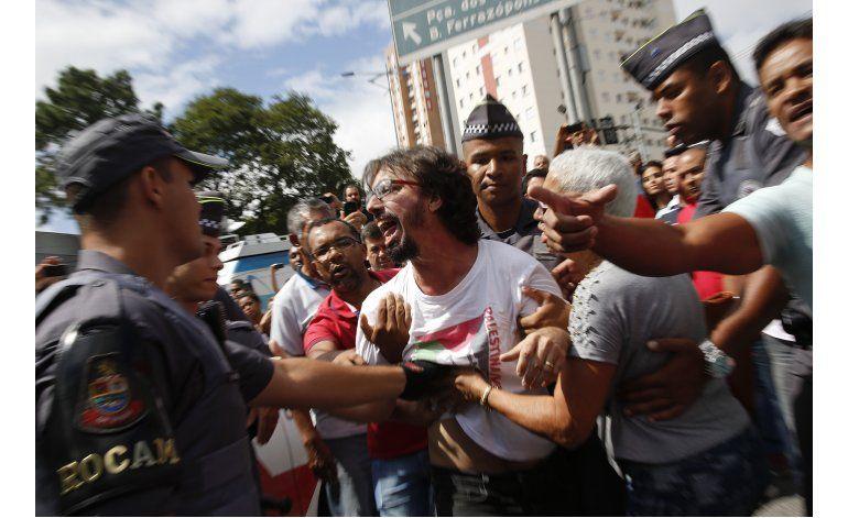 Brasileño Lula denuncia su detención por caso de corrupción