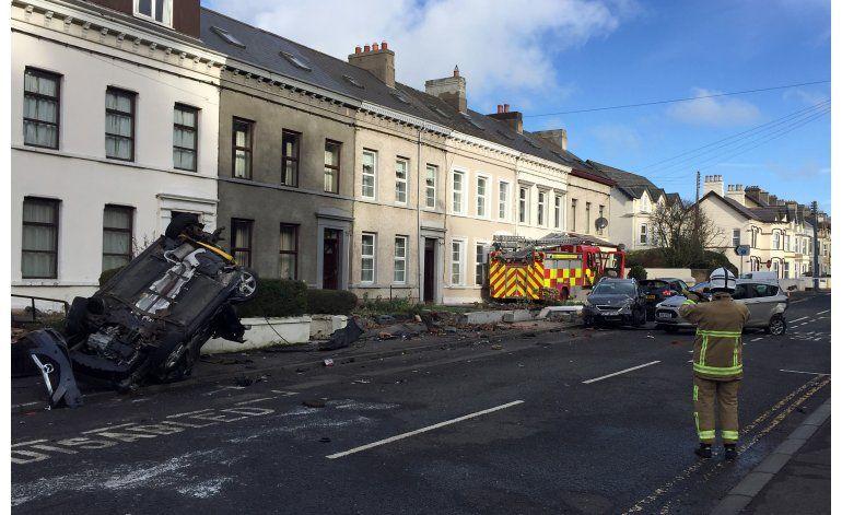 Roban camión de bomberos en Irlanda del Norte