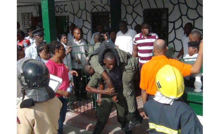 Funcionario de prisión en Guyana es suspendido tras motín
