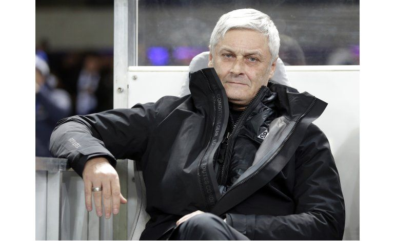 Eintracht Fráncfort despide a Armin Veh como entrenador