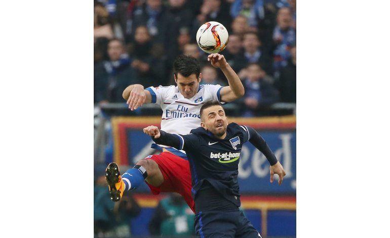 Hamburgo vence 2-0 al Hertha y se aleja del descenso