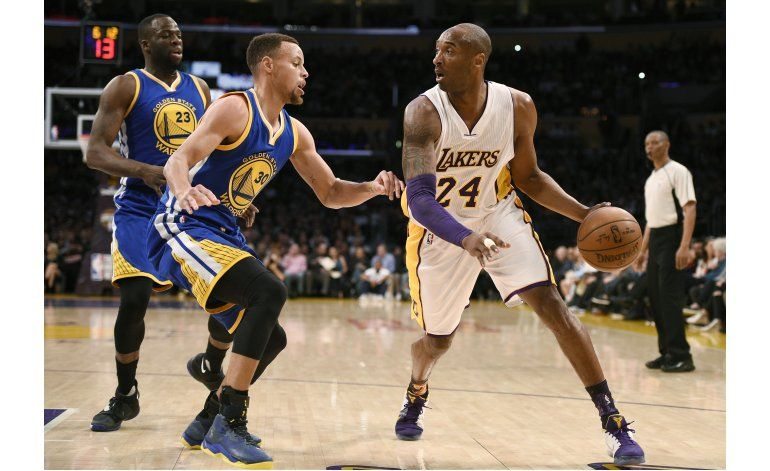 Lakers dan el batacazo ante los Warriors