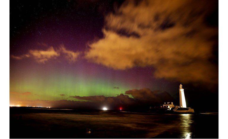 Auroras boreales deleitan a Gran Bretaña y Alemania