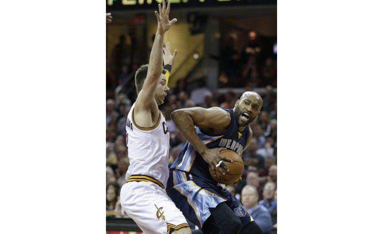 Grizzlies, sin 4 titulares, superan a Cavaliers