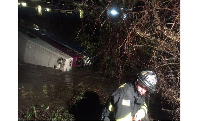 Nueve heridos tras descarrilar un tren en California