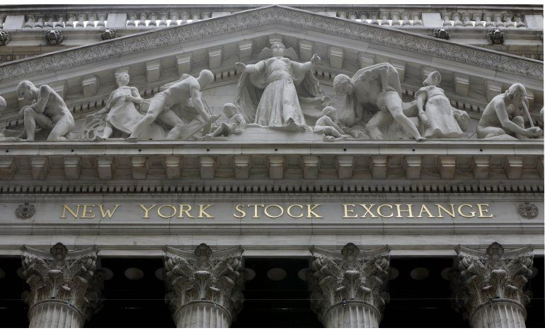 Fuerte descenso en Wall Street tras datos negativos de China