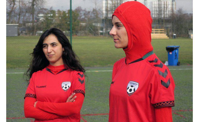 Selección de fútbol de Afganistán tiene camisetas con hiyab