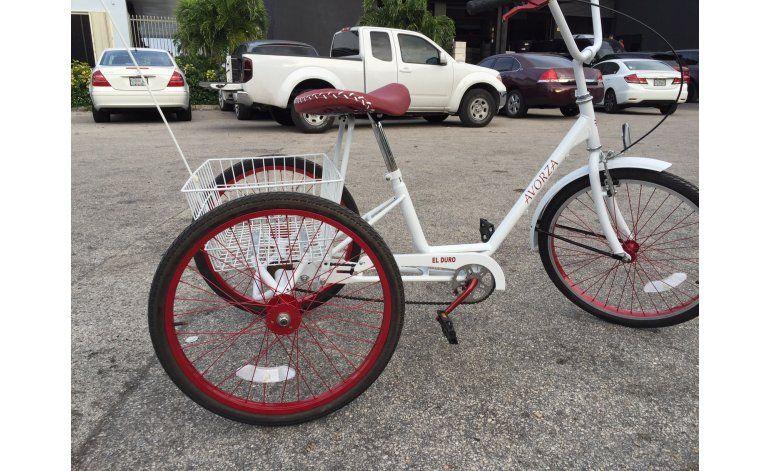 Céspedes suma bicicleta a colección