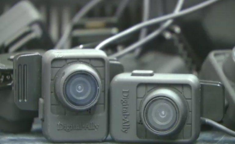 Ordenan a los policías de Miami Beach apagar las cámaras portátiles que llevan en sus uniformes