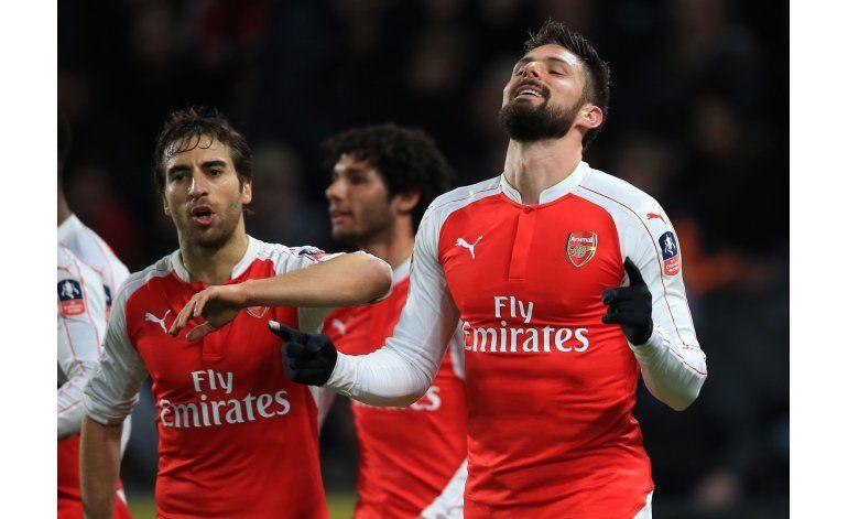 Copa FA: Arsenal gana con dobletes de Walcott y Giroud