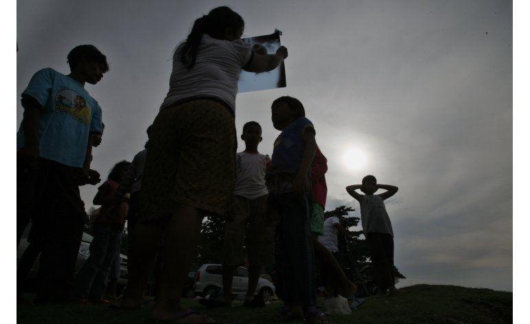 Eclipse total de Sol sobre Indonesia