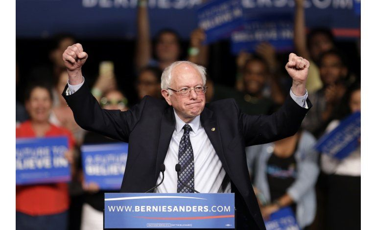 Sanders gana en Michigan, Trump encandena más victorias