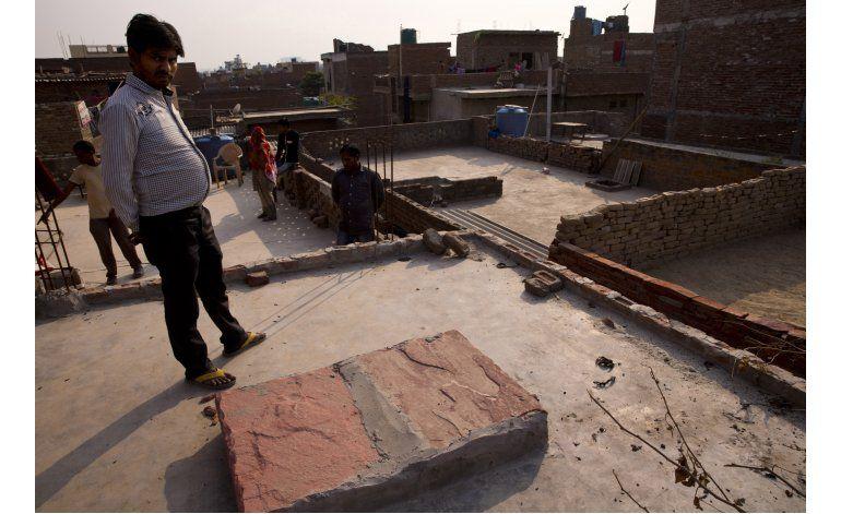 Muere niña india de 15 años tras ser violada y quemada