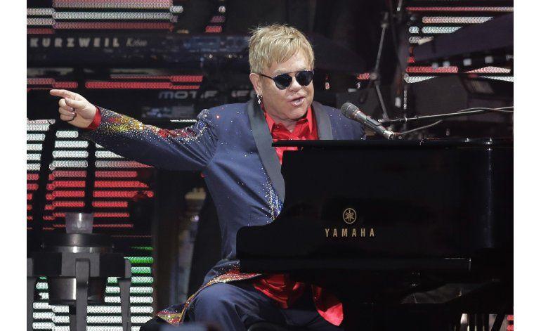 Colección de fotos de Elton John se exhibirá en el Tate
