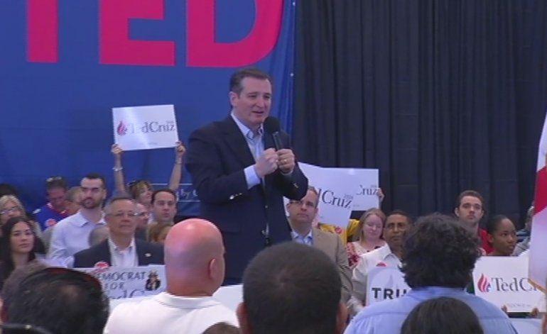Ted Cruz hace campaña en Miami