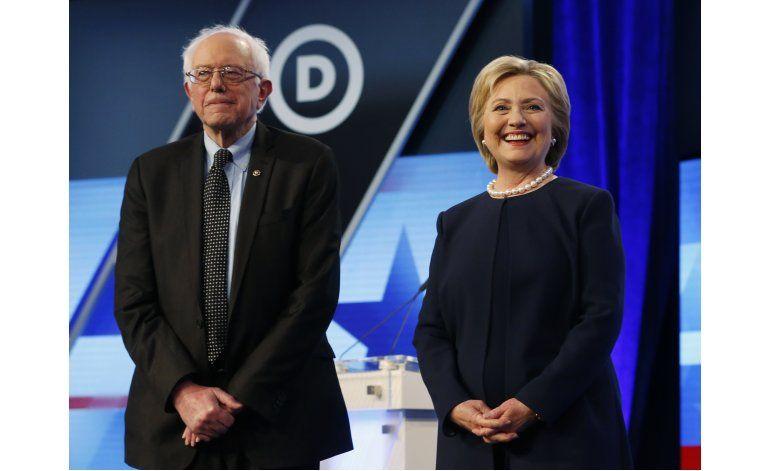 LO ULTIMO: Clinton y Sanders llaman a demócratas a las urnas