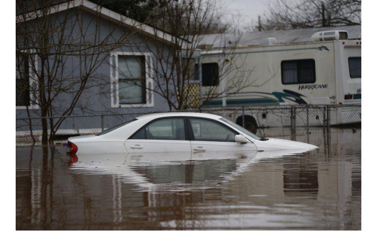 Tormenta descarga lluvias en el Sur y provoca inundaciones