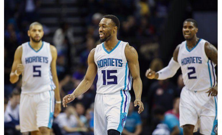 Hornets hilan 5ta victoria seguida, ante Pelicans