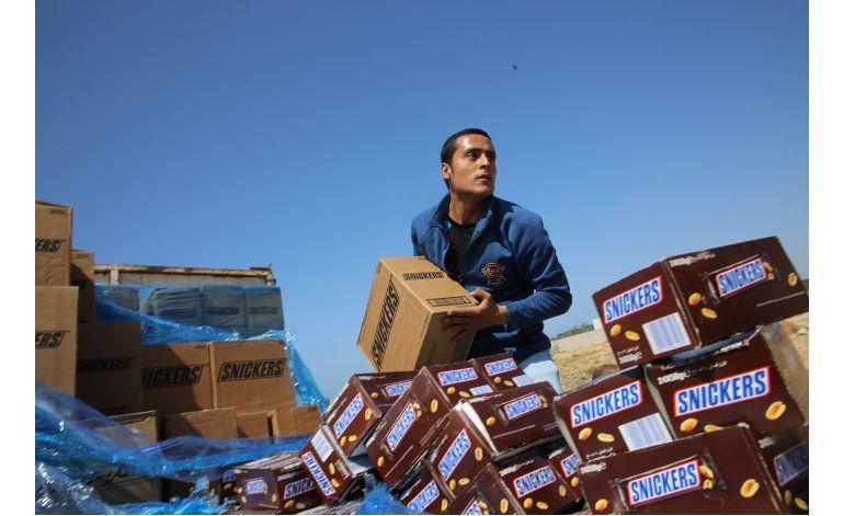 Hamas quema 15 toneladas de chocolates retirados de mercado
